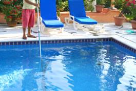 Contrato de mantenimiento piscina