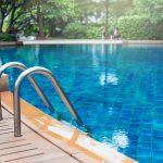 Cómo ahorrar energía en la piscina de tu hogar